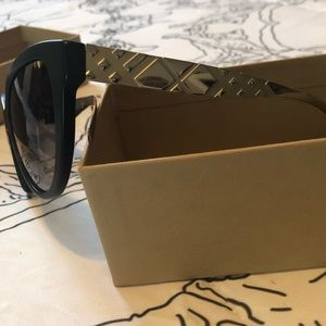 d4c6e7d7950 Burberry Accessories - Burberry black sunglasses 4220